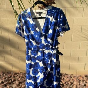 Banana Republic Factory Floral dress with Bow